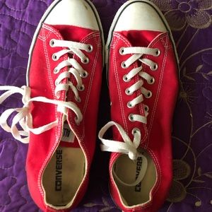 Size 12 red Converse